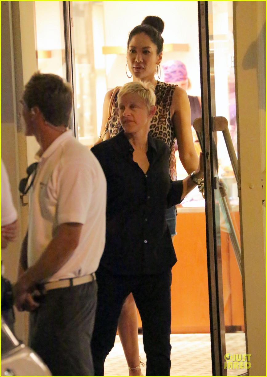 ellen degeneres & portia de rossi holiday jewelry shopping 032780392