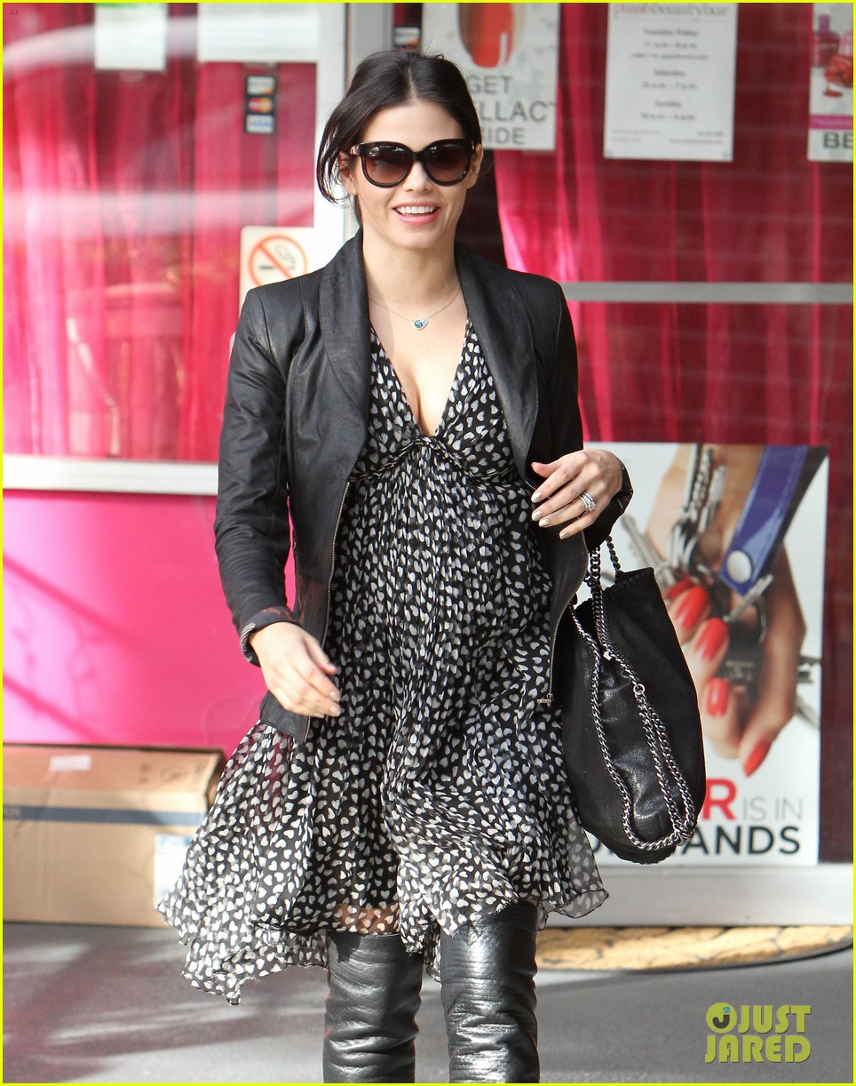 jenna dewan gets pampered 30