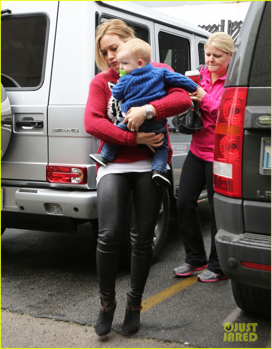 hilary duff babys first class with luca 012775316