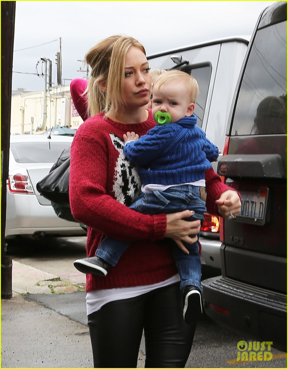 hilary duff babys first class with luca 162775331