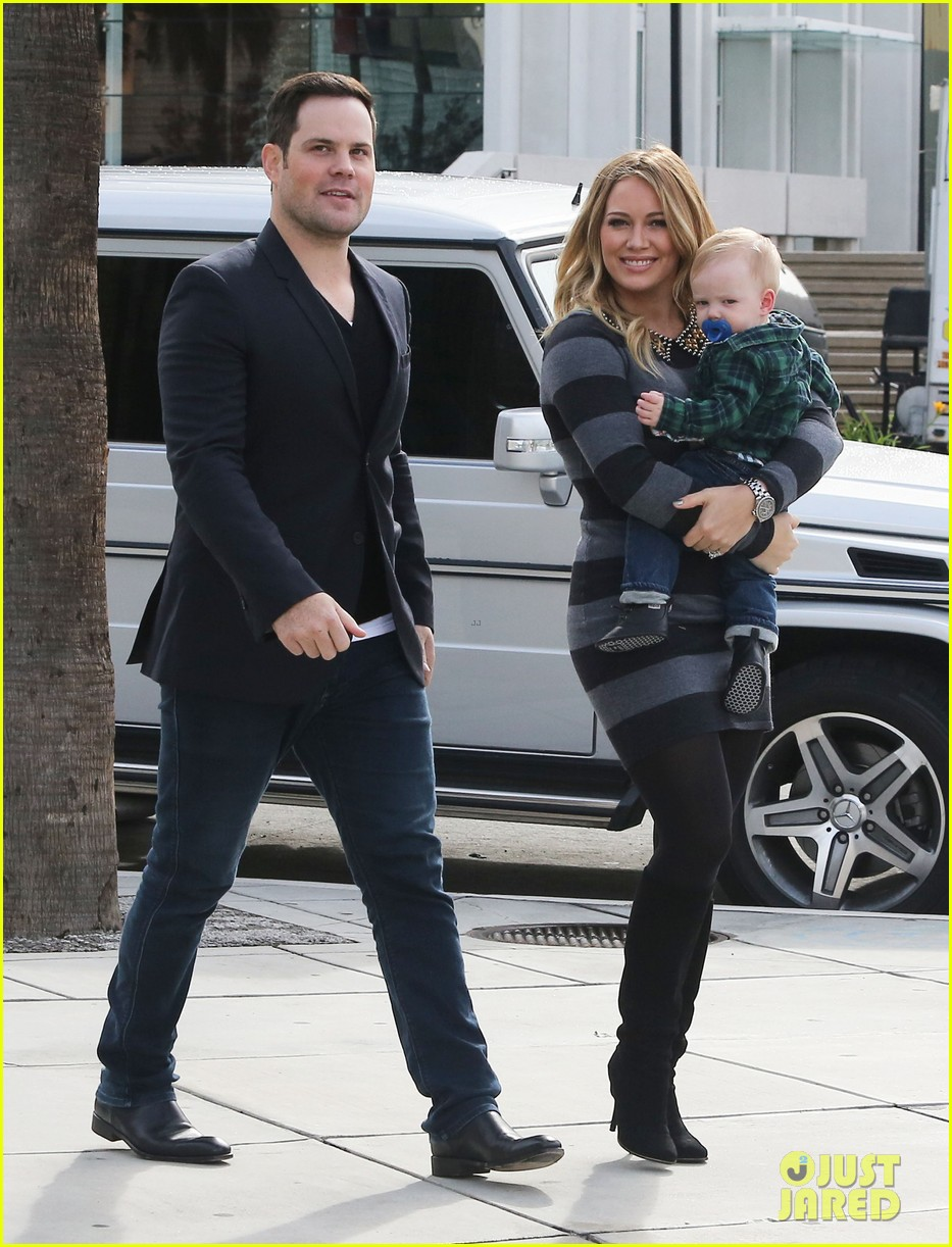 hilary duff mike comrie family fun day with luca 07