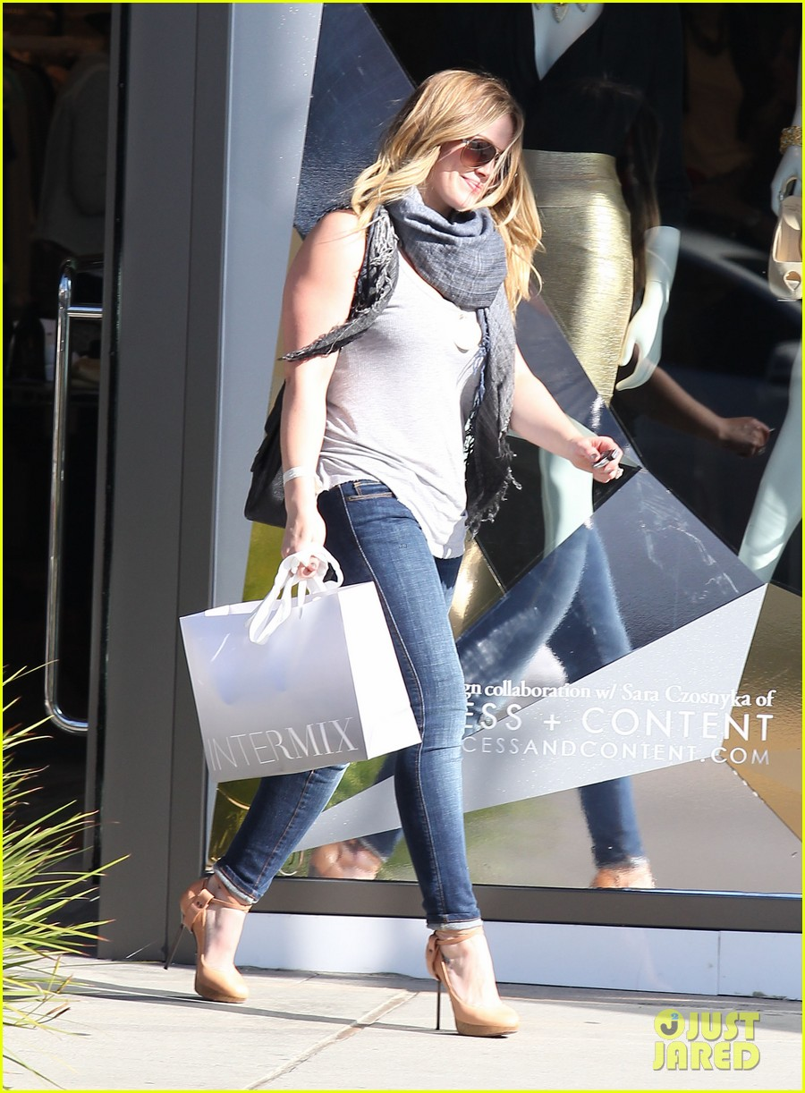 hilary duff liberated from hair extensions 06