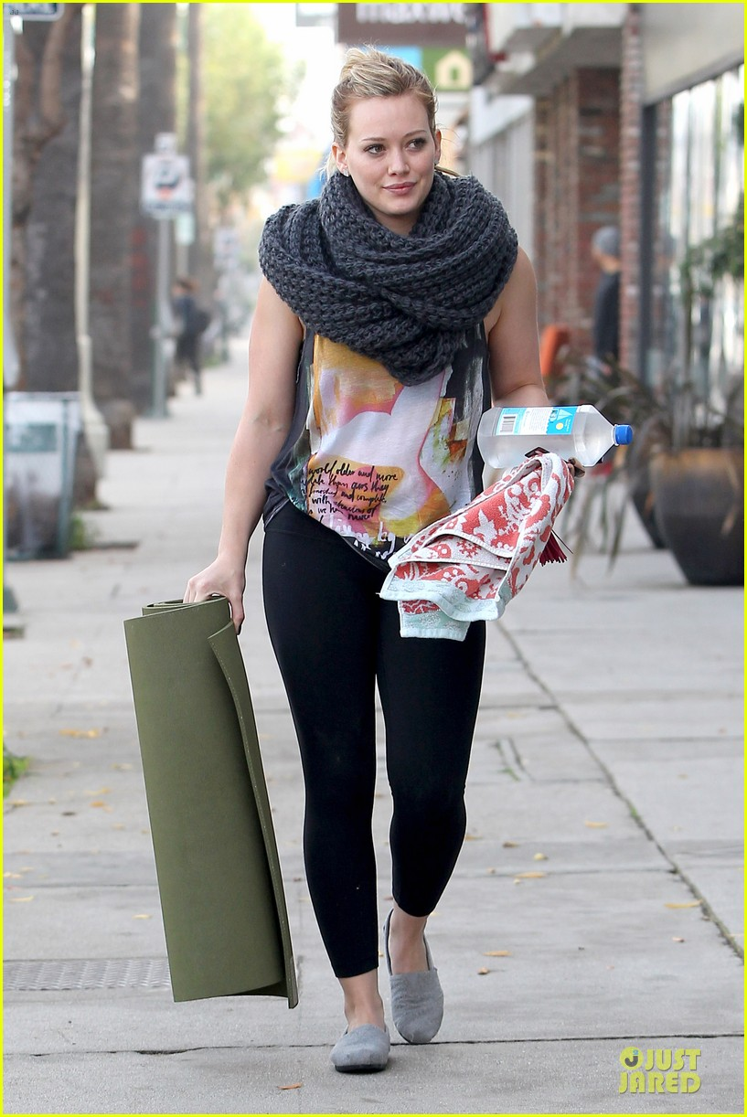 hilary duff matching outfit for lunch 05