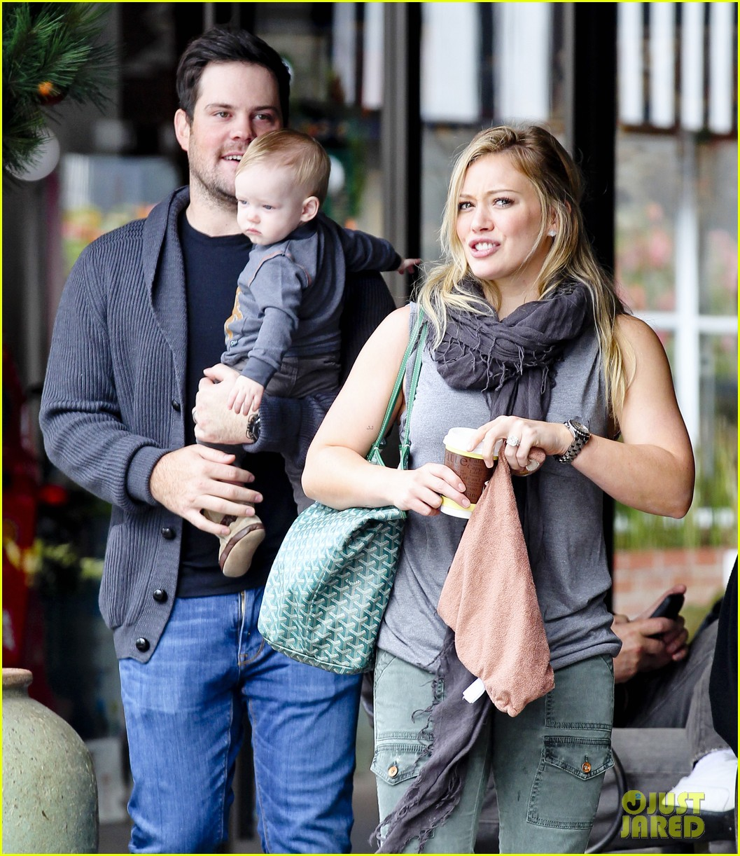 hilary duff mike comrie shopping baby luca 082767882