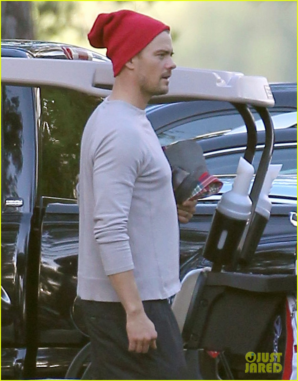 josh duhamel christmas eve golfing 04
