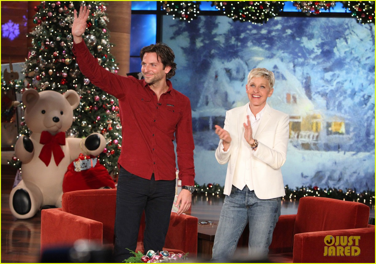 ellen degeneres dedicates show to newtown shooting victims 01