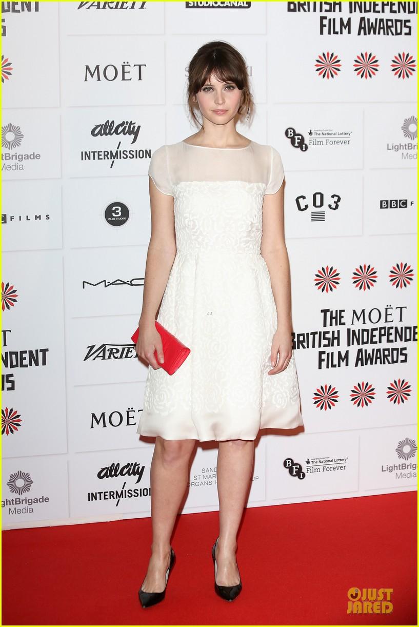 elle fanning & felicity jones british independent film awards 2012 06