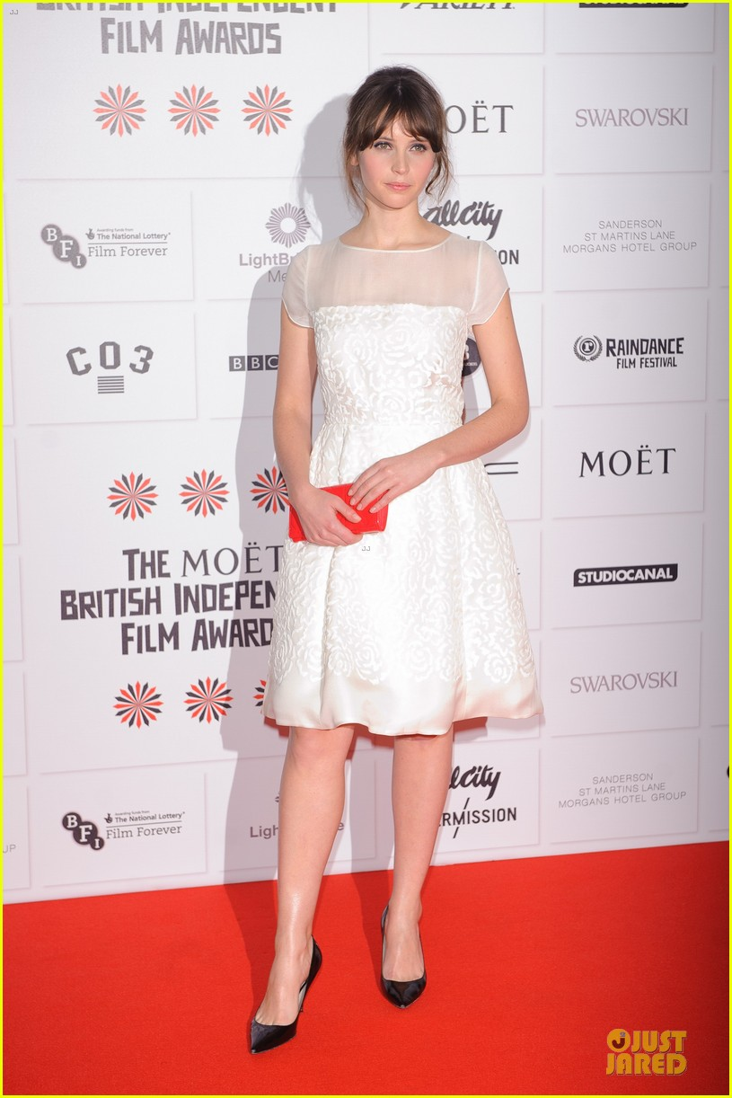 elle fanning & felicity jones british independent film awards 2012 17