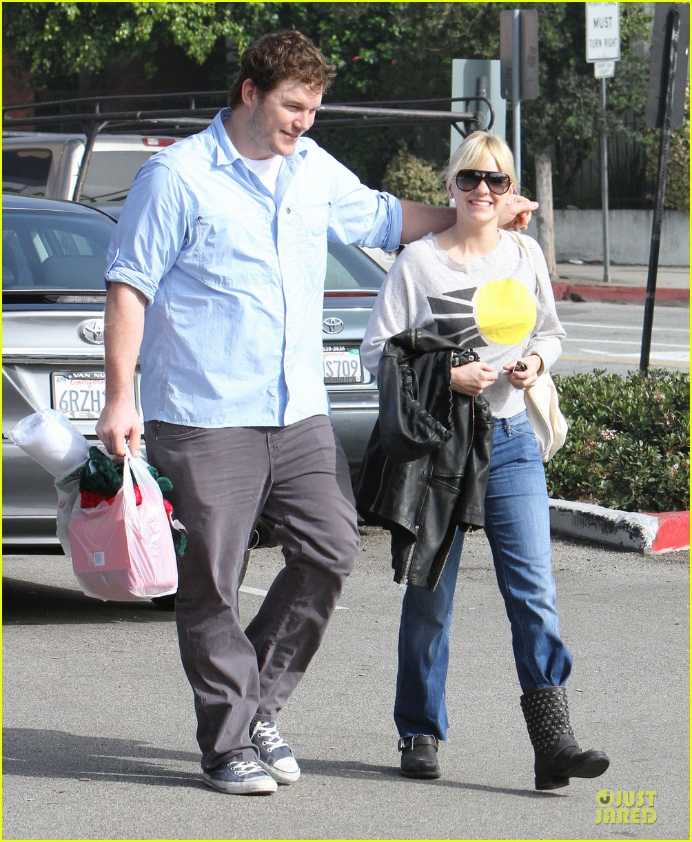 anna faris & chris pratt rite aide shopping couple 132772705