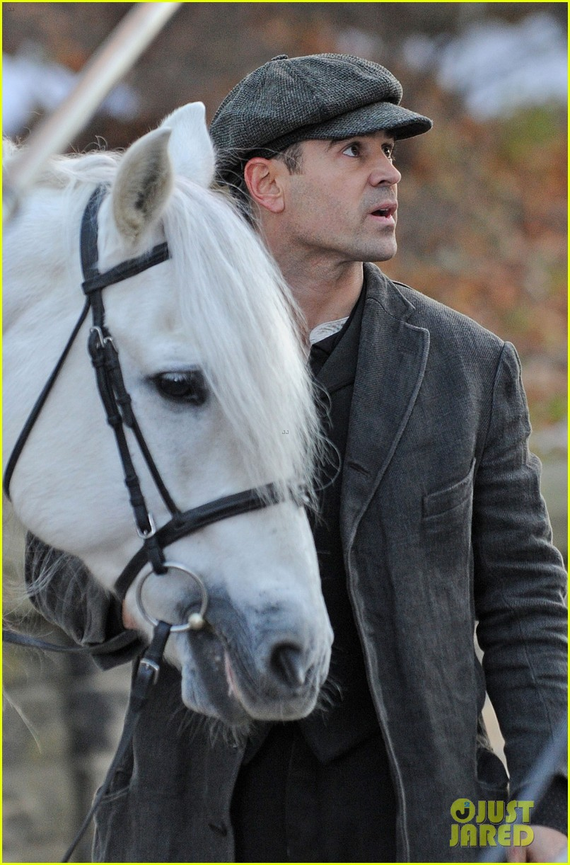colin farrell horseback riding 03