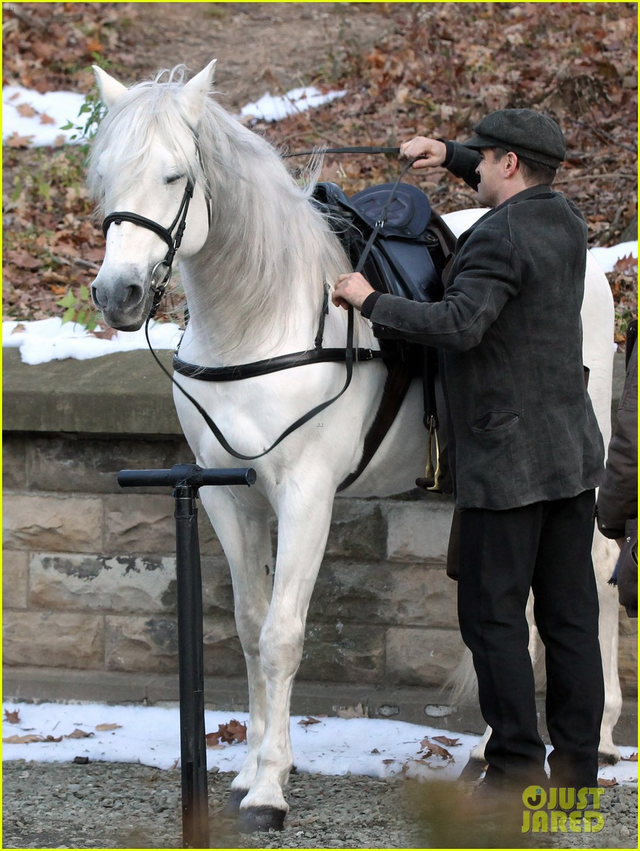 colin farrell horseback riding 17