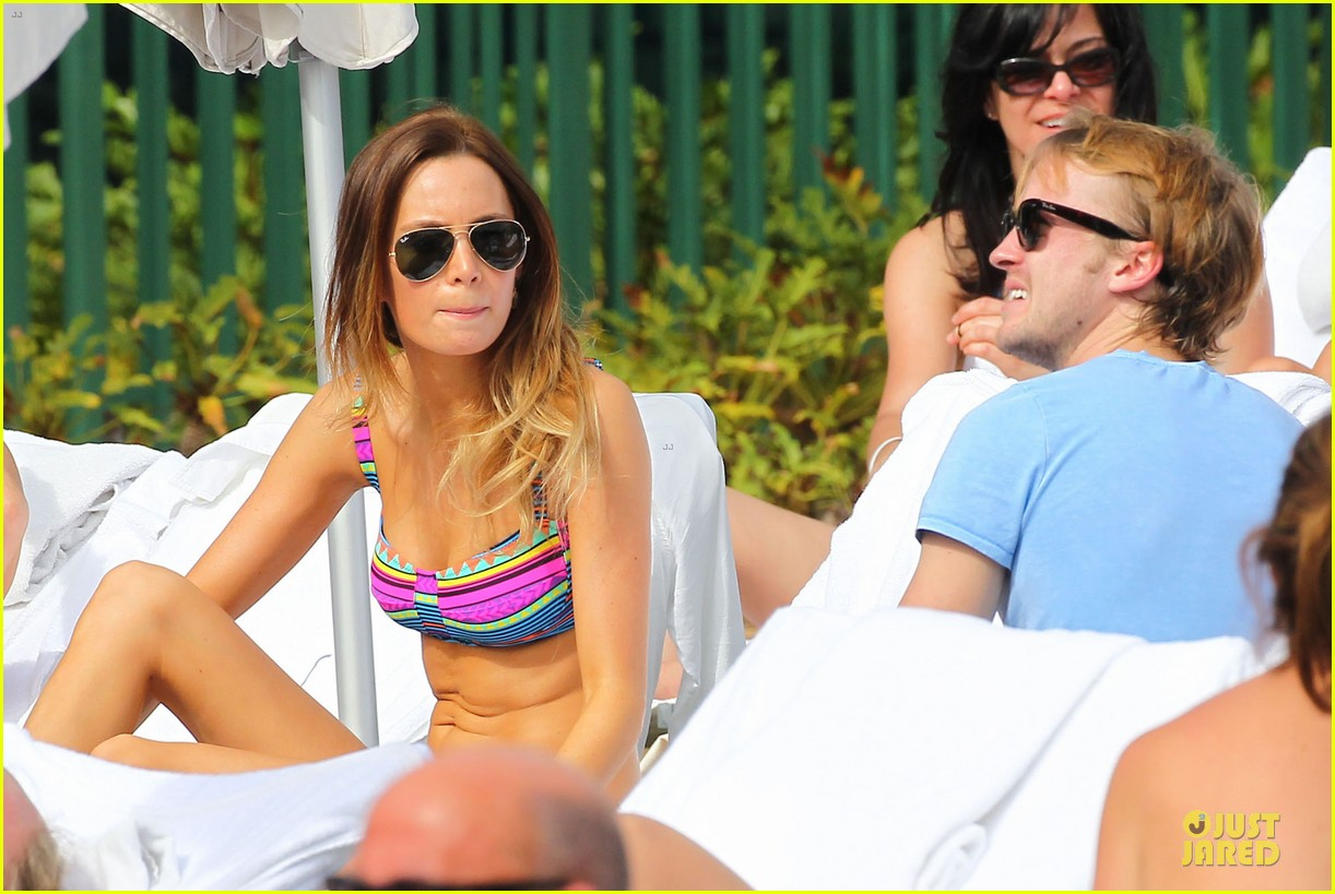 tom felton poolside with jade olivia 15