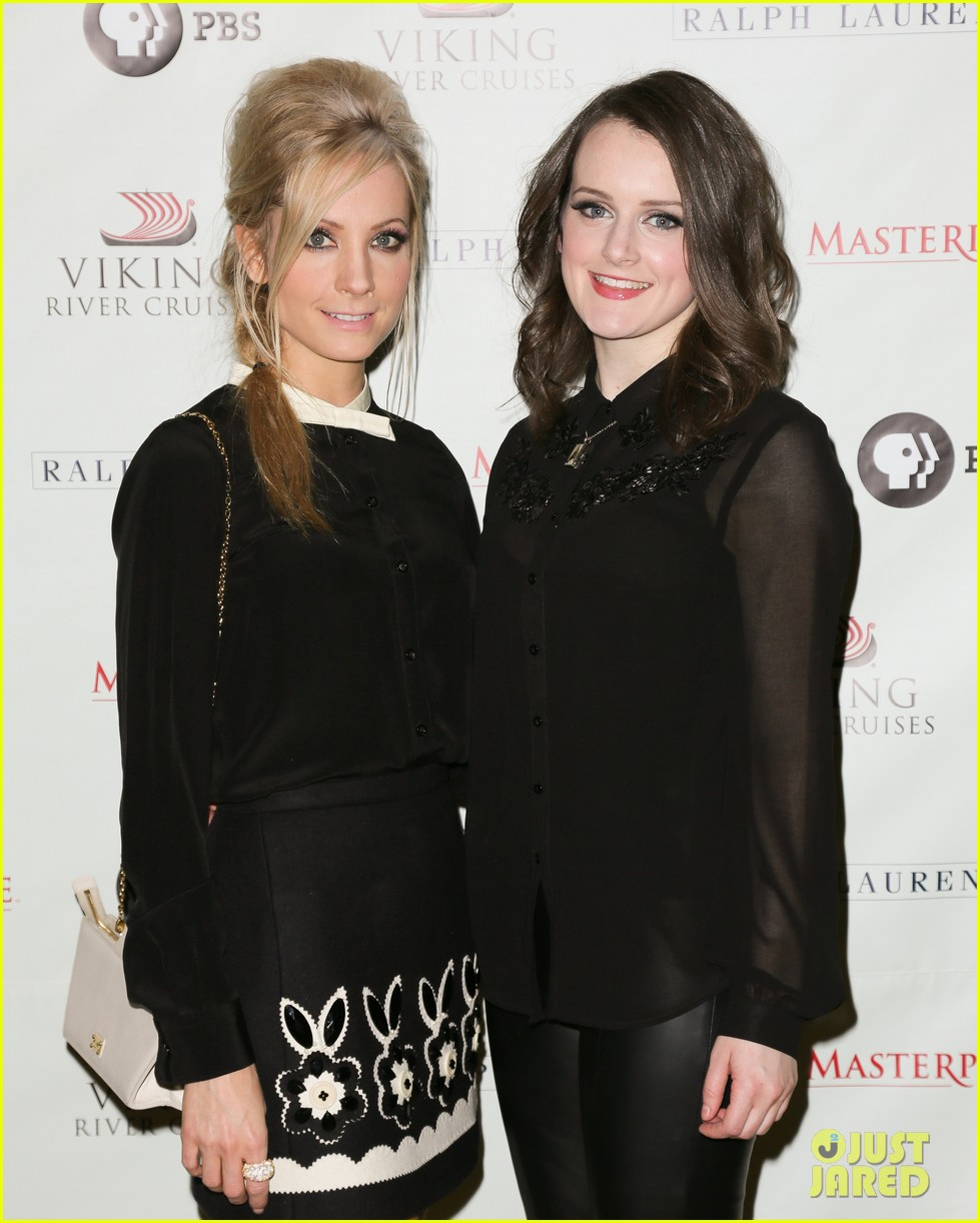 joanne froggatt downton abbey season 3 premiere 042774824