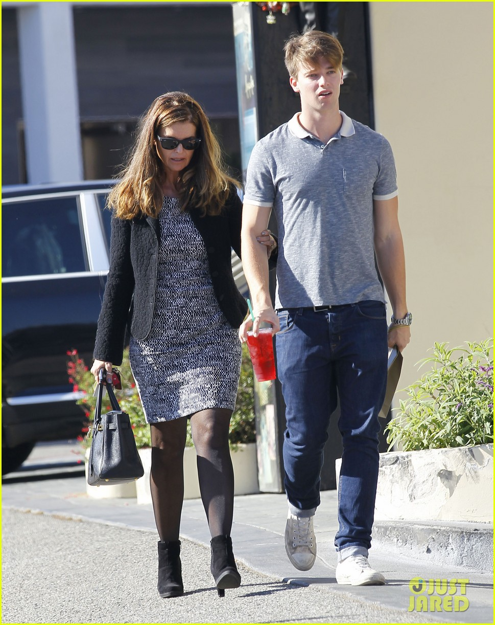 andrew garfield patrick schwarzenegger lakers guys 08