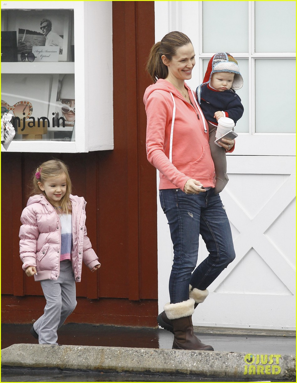 jennifer garner breakfast with bens mom 21