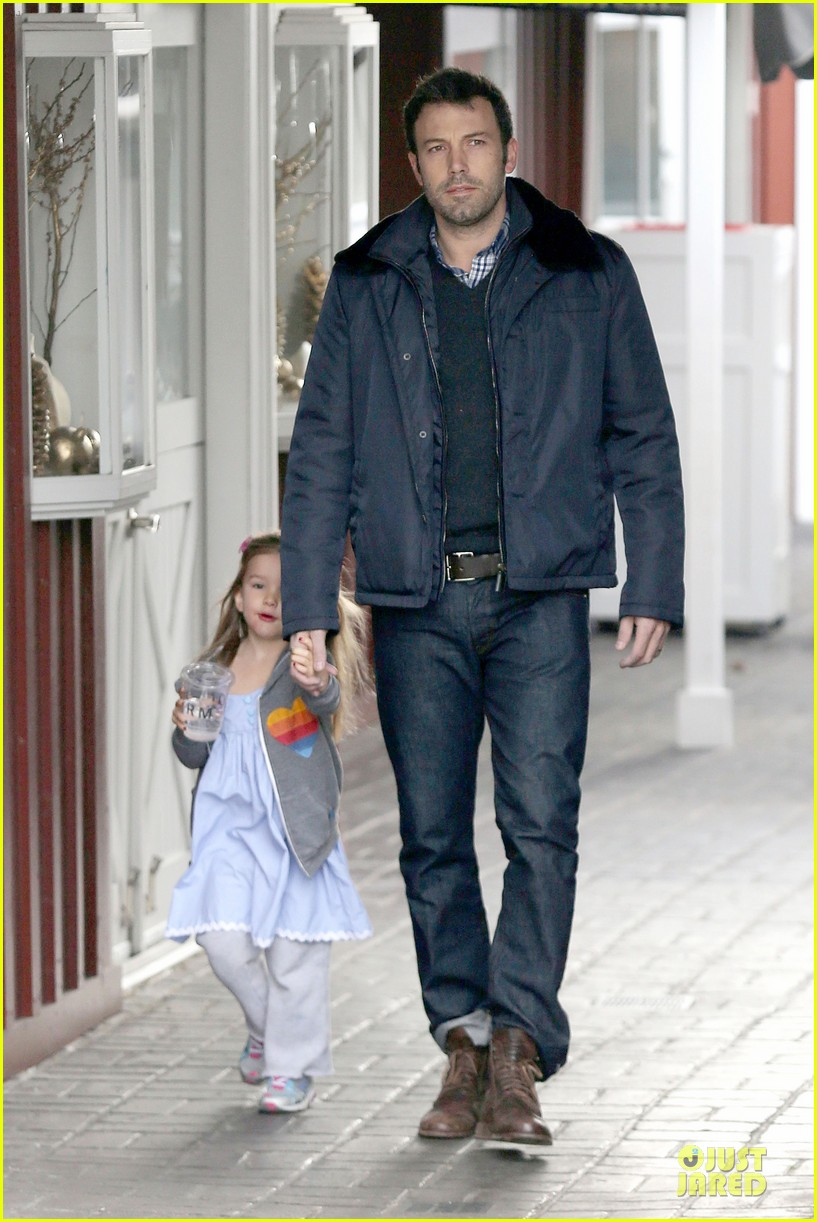 jennifer garner& ben affleck brentwood country mart family 222771820