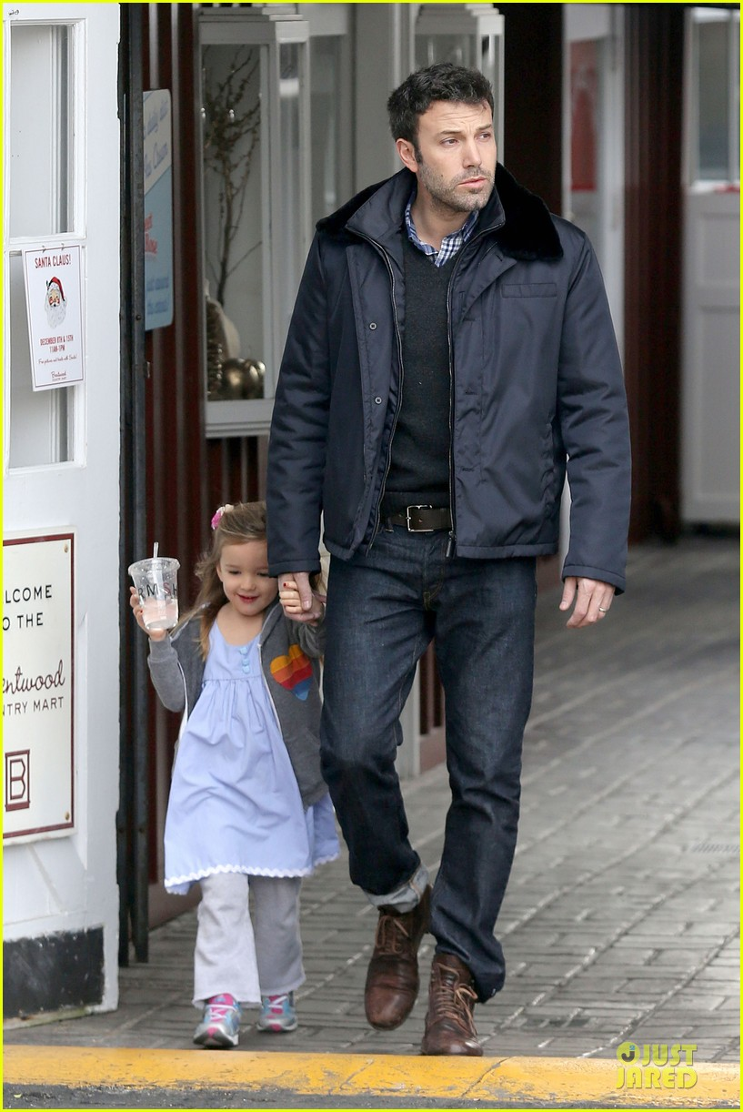 jennifer garner& ben affleck brentwood country mart family 24