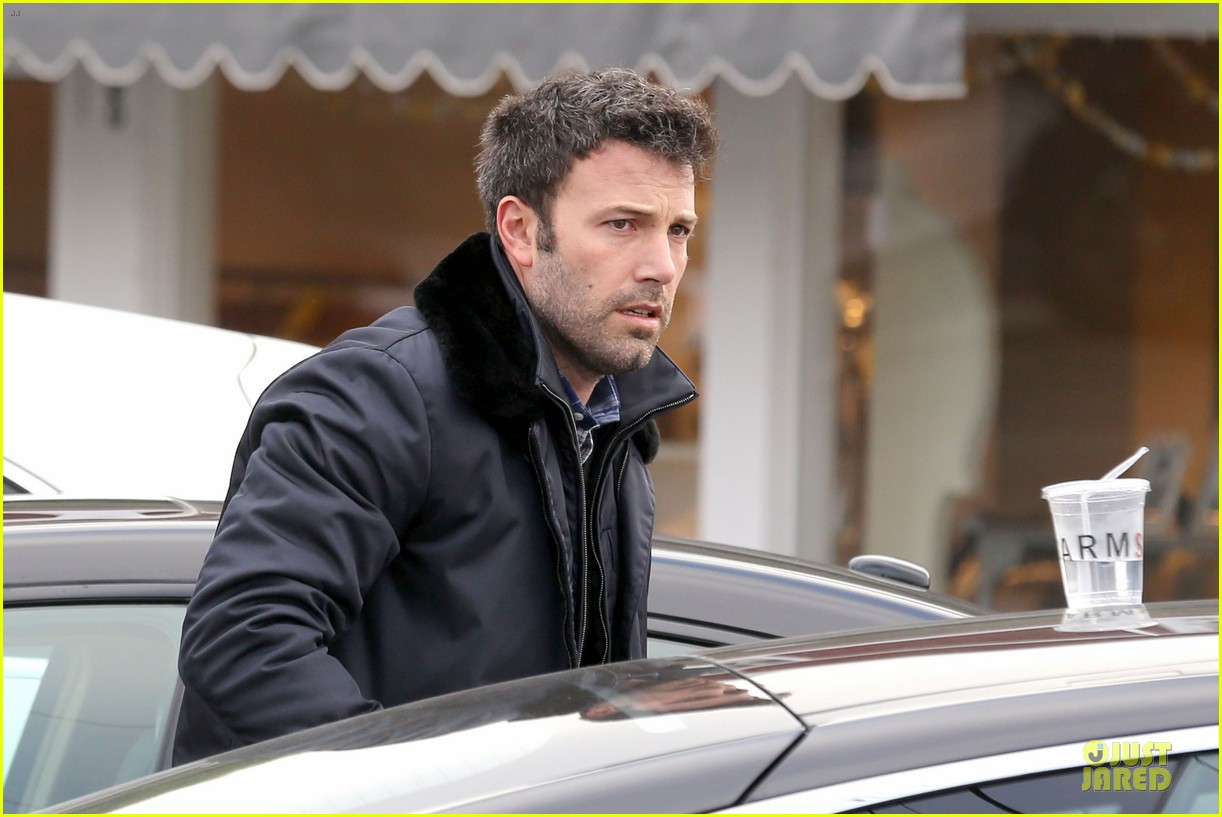 jennifer garner& ben affleck brentwood country mart family 26