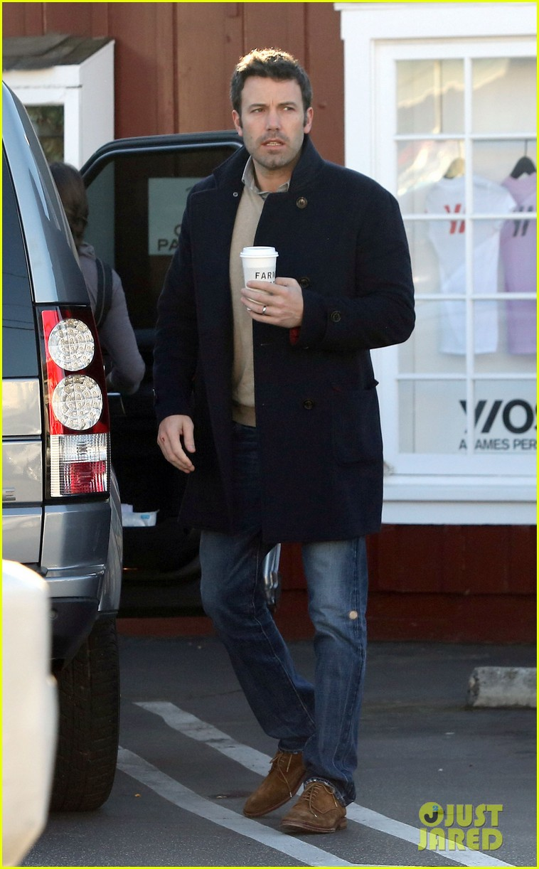 jennifer garner ben affleck separate morning coffee runs 142773179