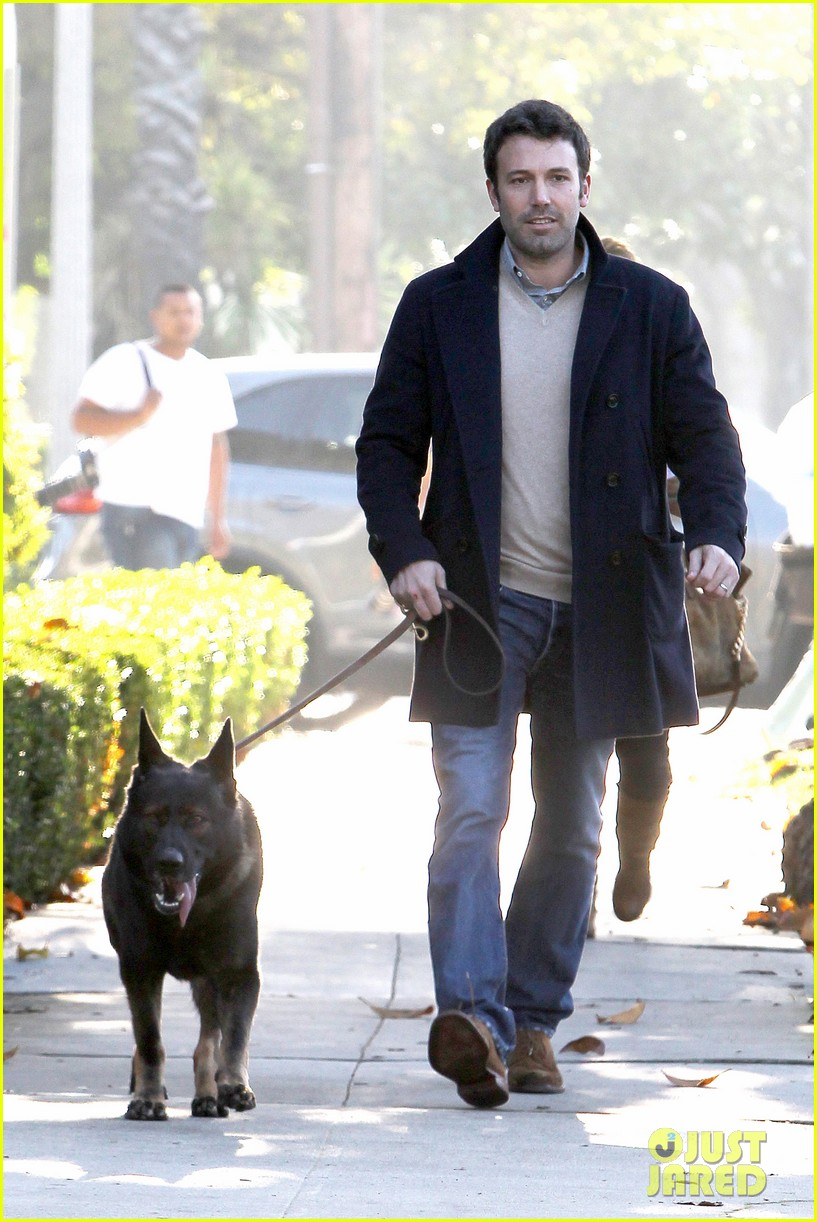 jennifer garner ben affleck separate morning coffee runs 182773183