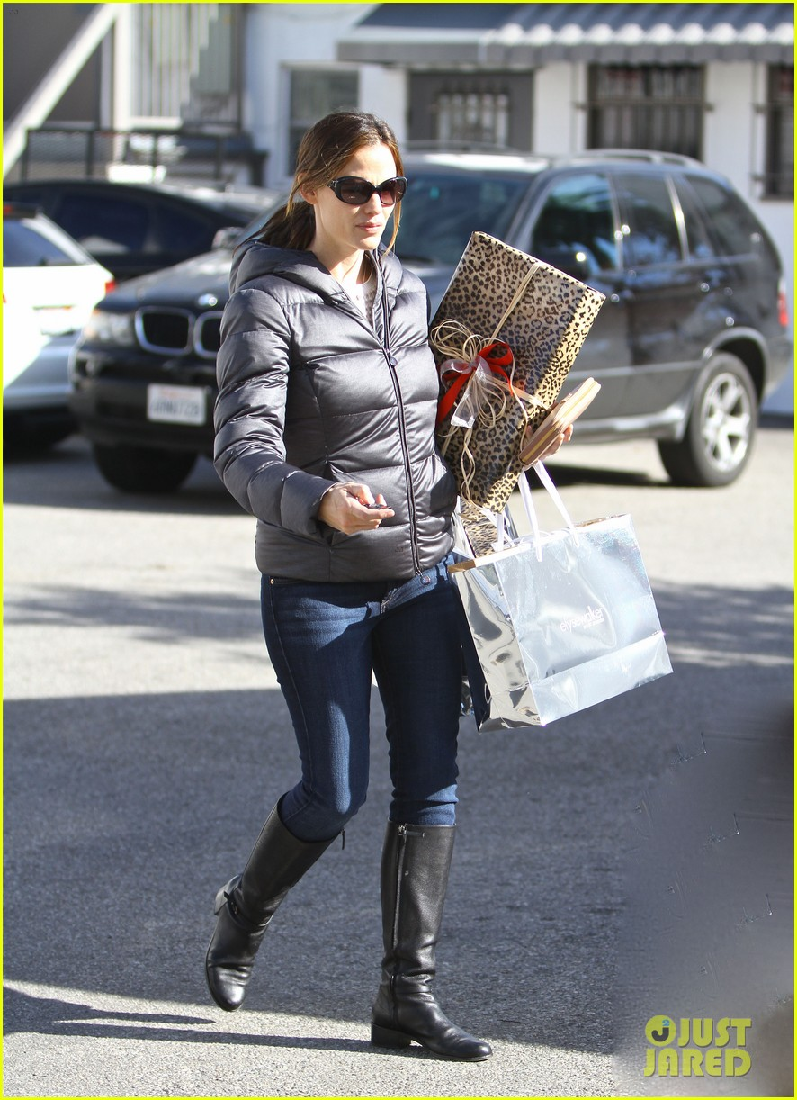 jennifer garner ready for christmas 04