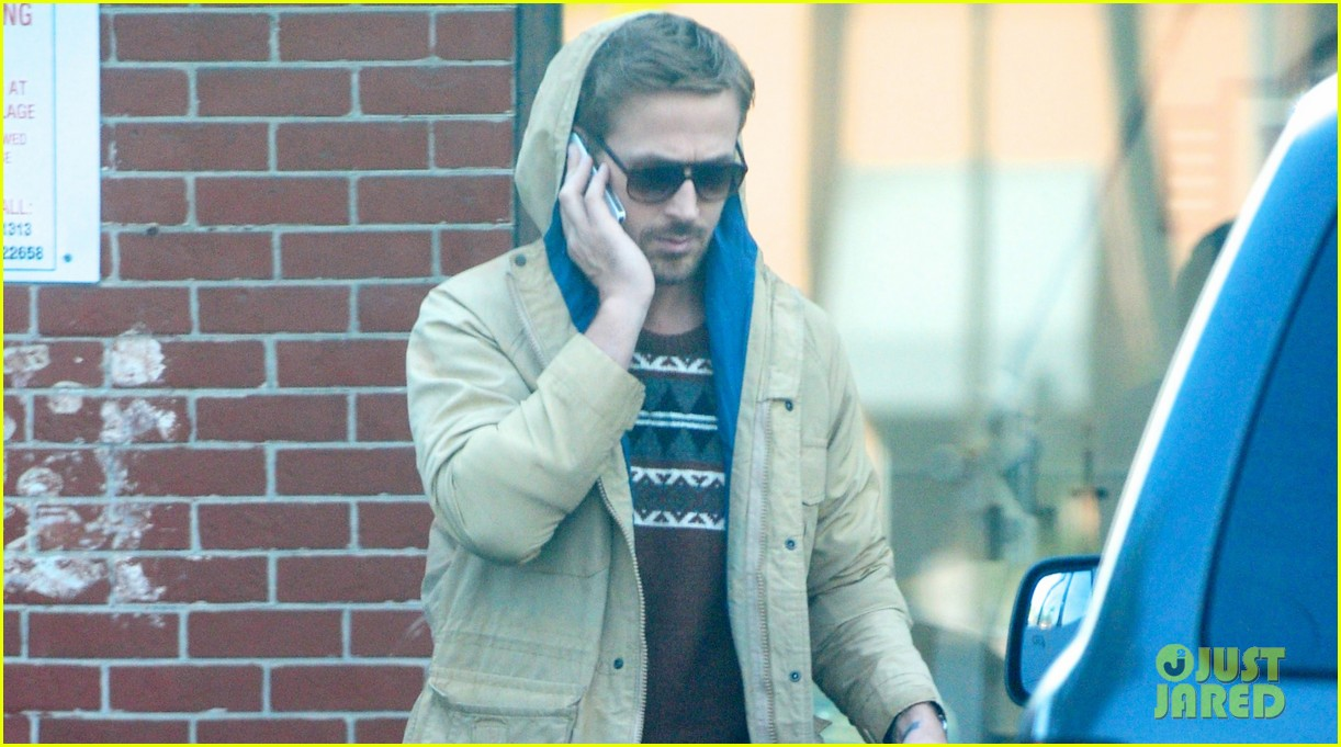 ryan gosling mexican food pick up 03
