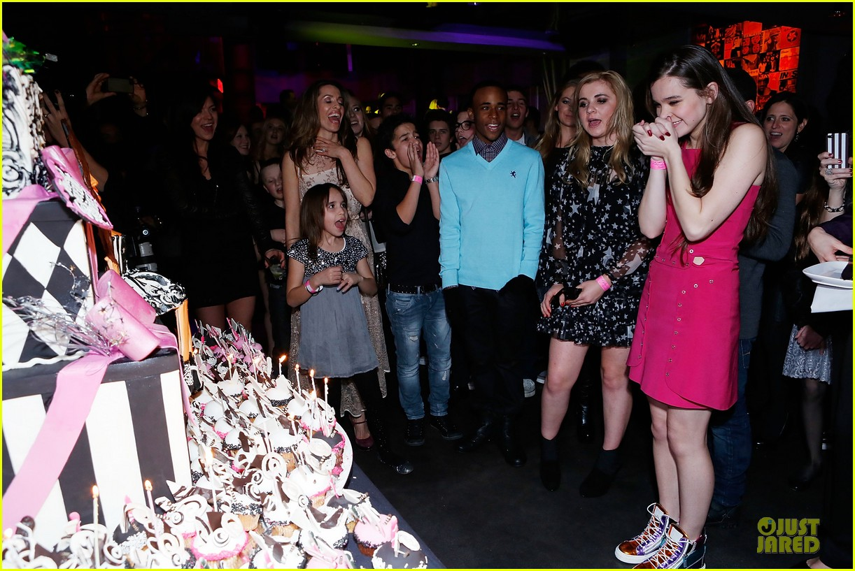hailee steinfeld sweet 16 celebration 05