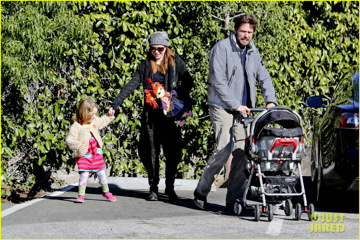 alyson hannigan family day out 16