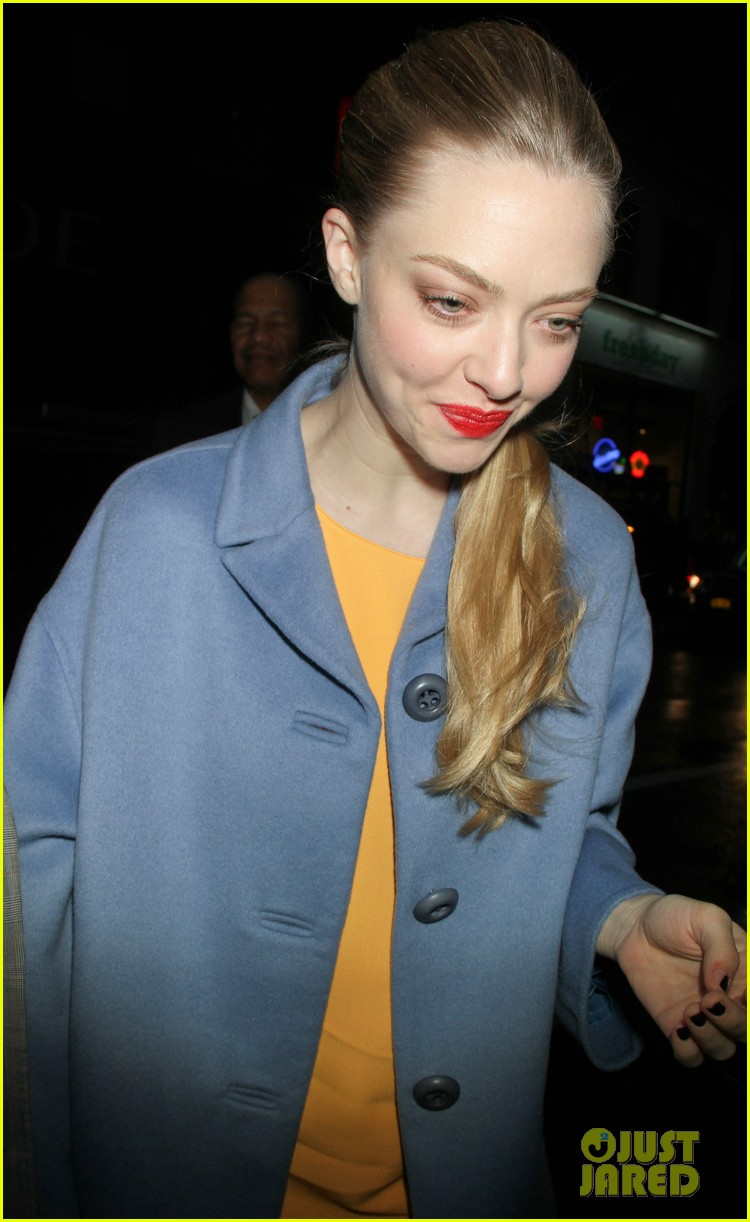 anne hathaway amanda seyfried les mis cast at today 172772860