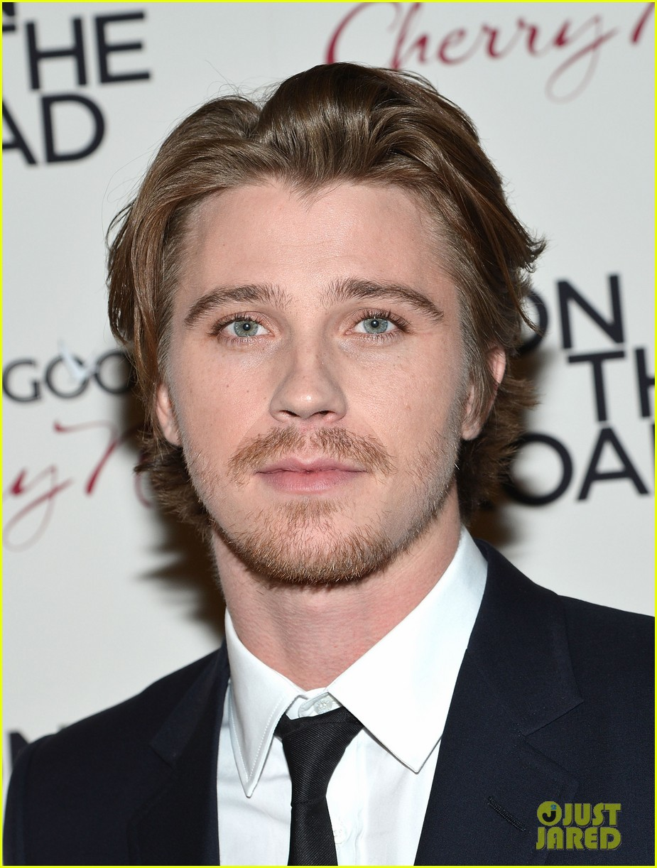 garrett hedlund confirmed for tron sequel 122775646