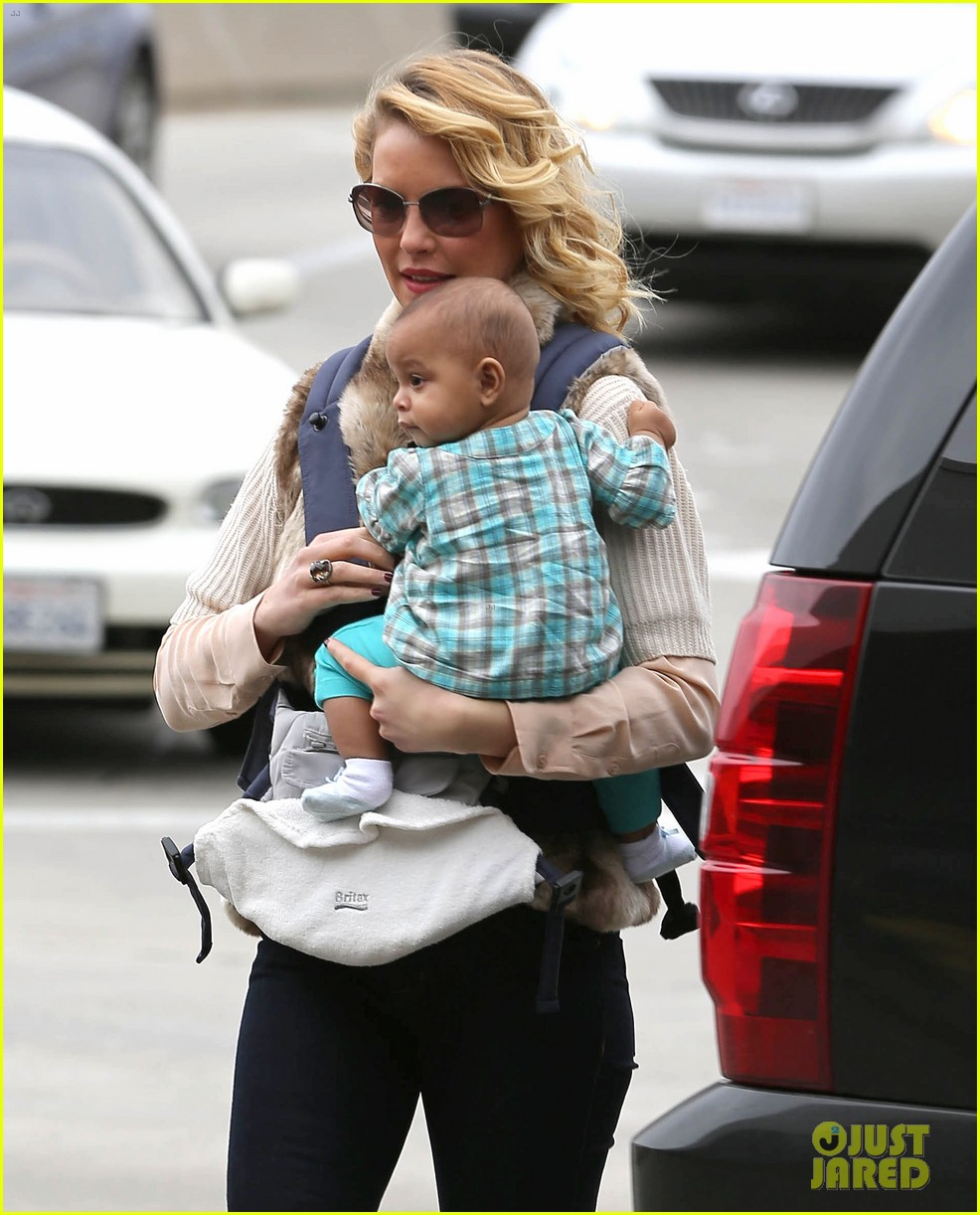 katherine heigl takes off with baby adalaide 022768515
