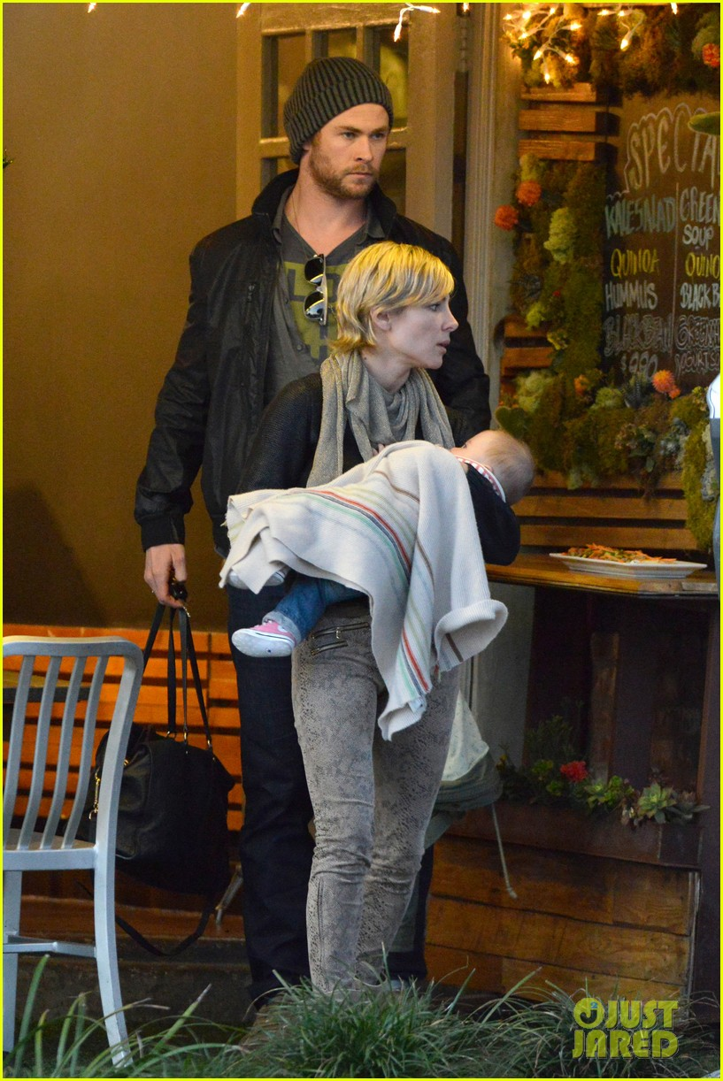 chris hemsworth elsa pataky kreation kafe with india 06