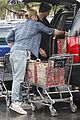 chris liam hemsworth christmas eve dinner shopping 31