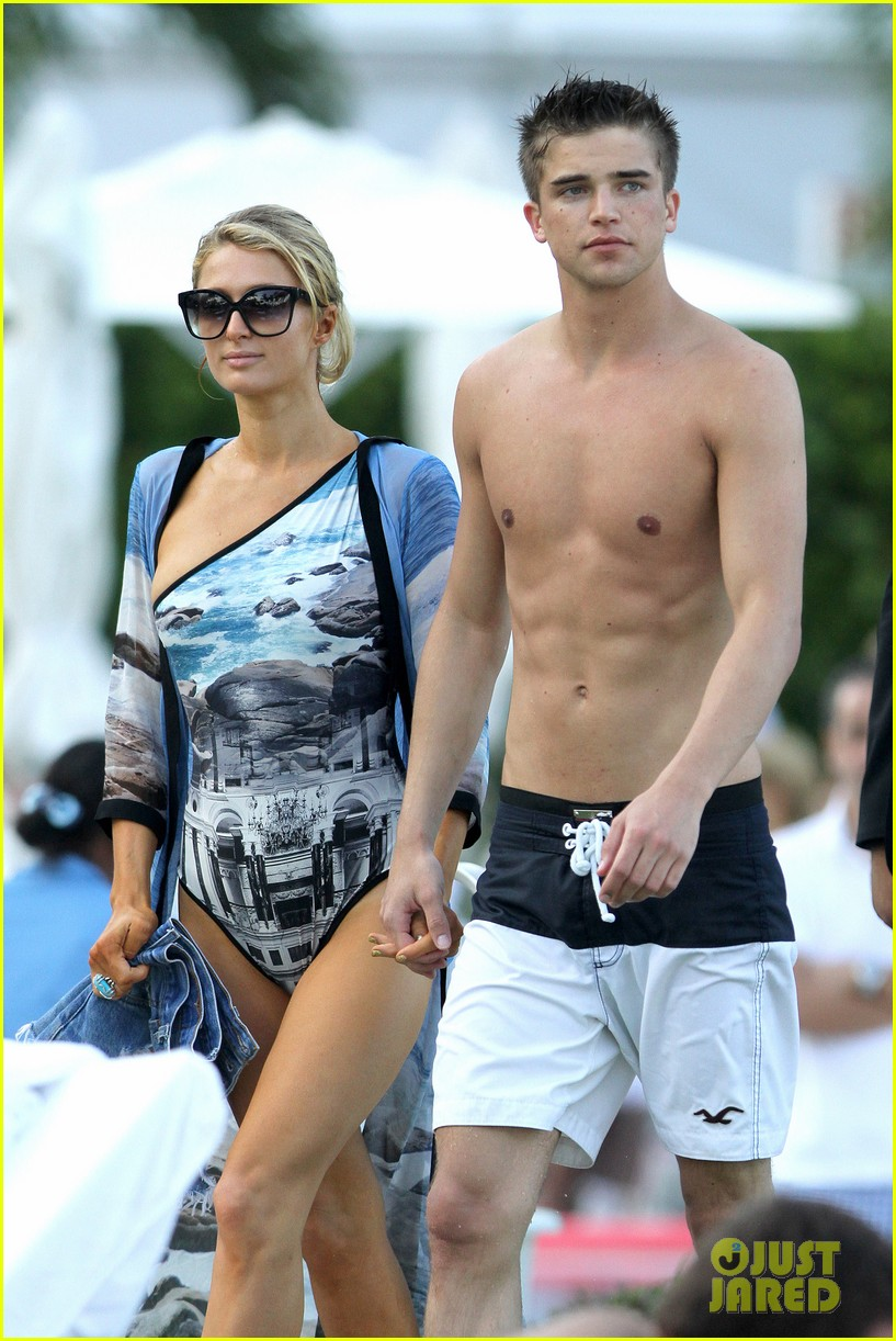 paris hilton shirtless river viiperi miami pool pair 15
