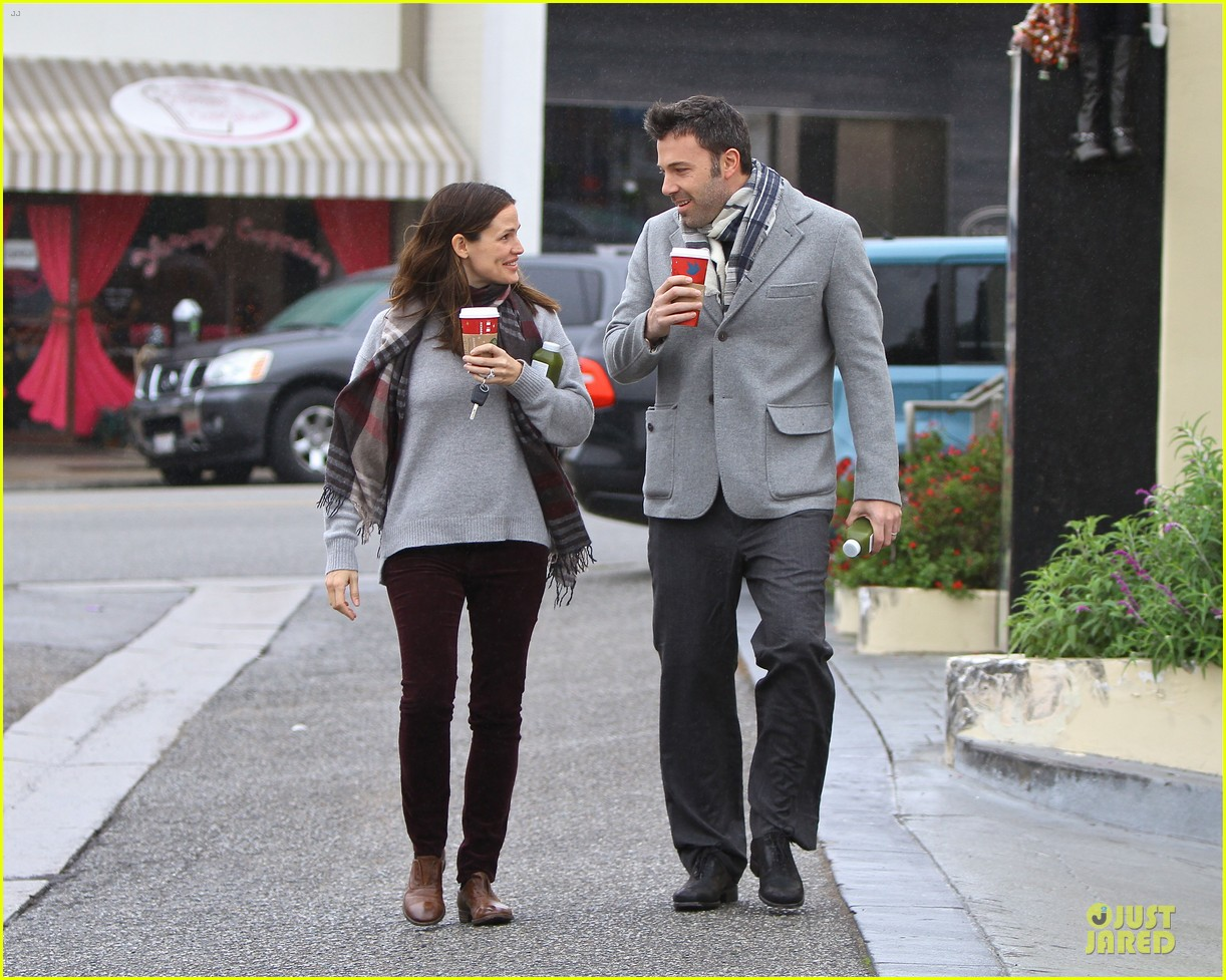 jennifer garner & ben affleck holiday shopping with the girls 11