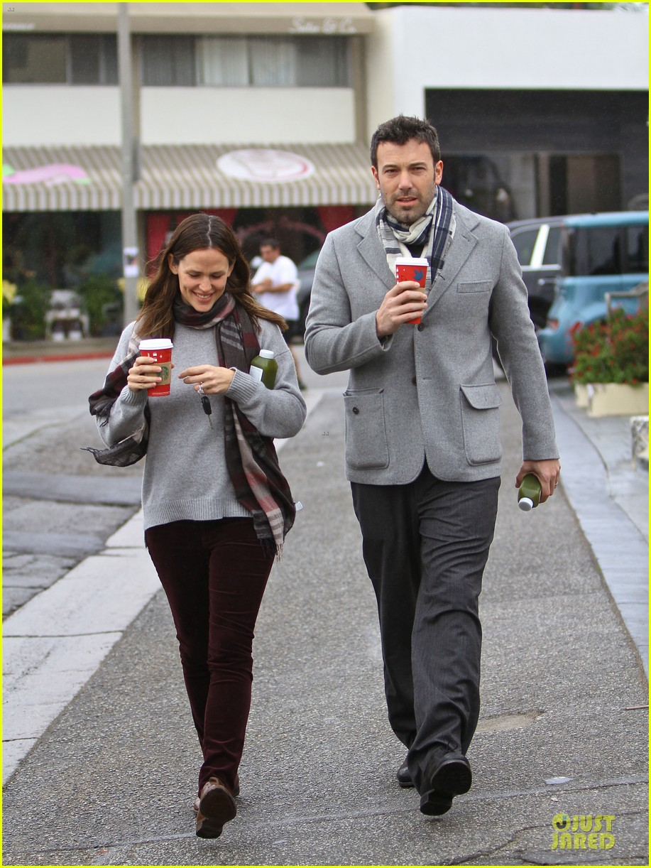jennifer garner & ben affleck holiday shopping with the girls 122776894
