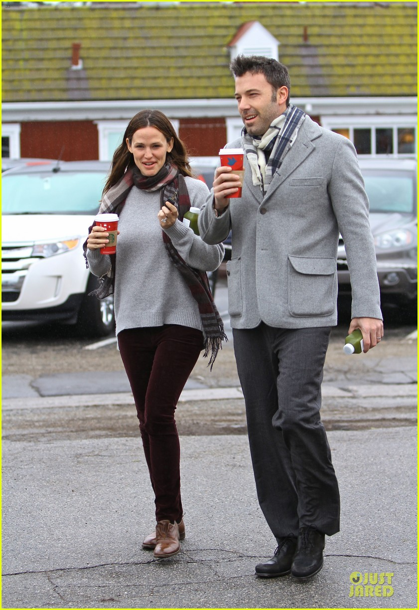 jennifer garner & ben affleck holiday shopping with the girls 132776895
