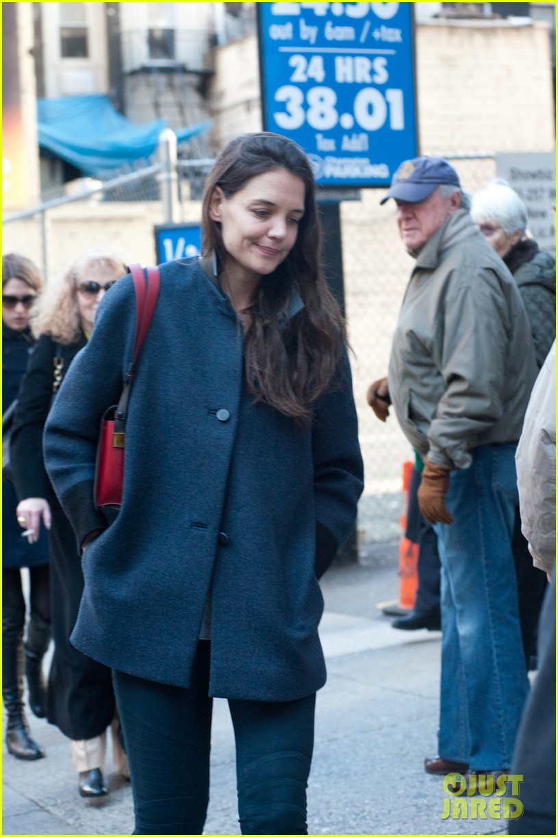 katie holmes back to work after birthday 092778346