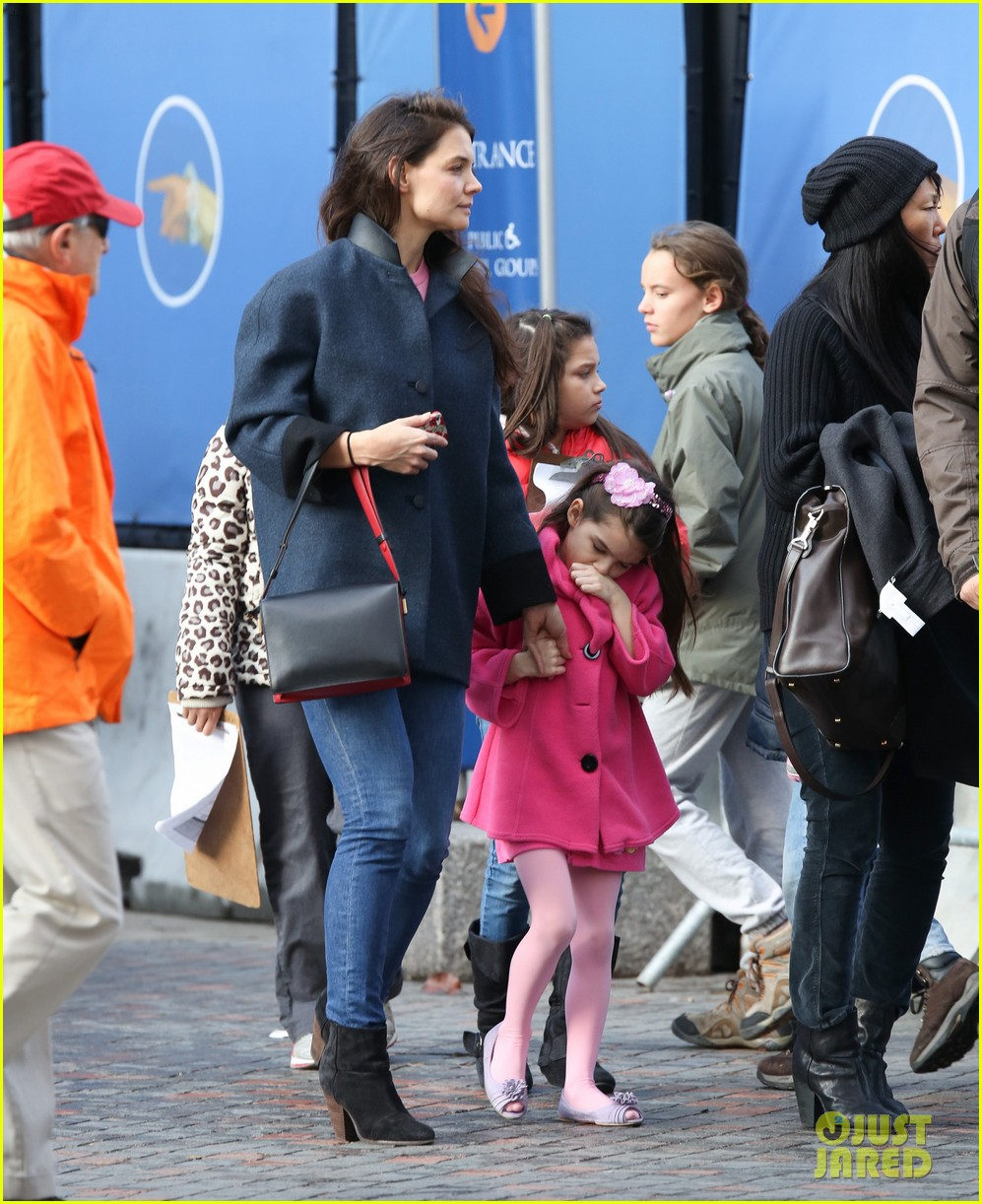 katie holmes birthday breakfast with suri 032777905