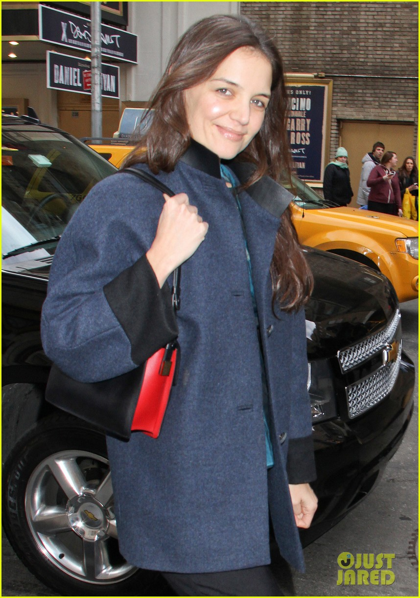 katie holmes morning radio afternoon performance 13