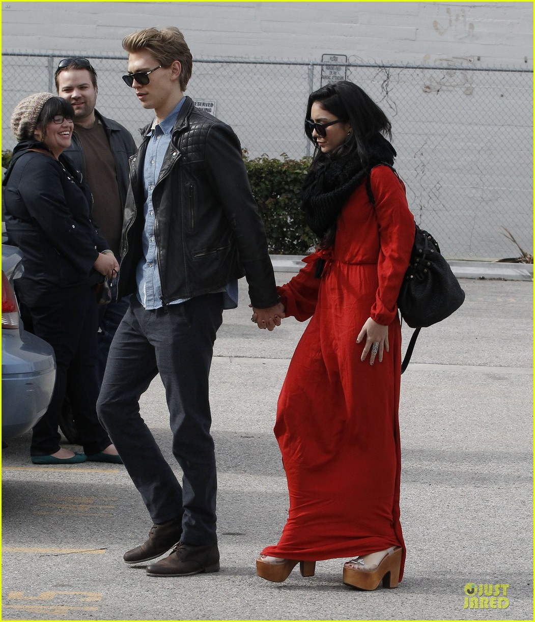 vanessa hudgens & austin butler church going couple 052782612
