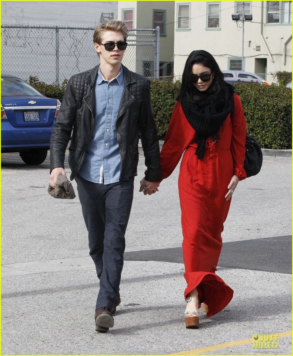 vanessa hudgens & austin butler church going couple 172782624