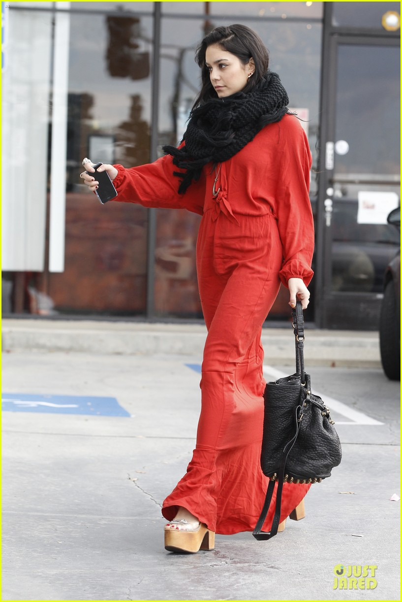 vanessa hudgens & austin butler church going couple 202782627