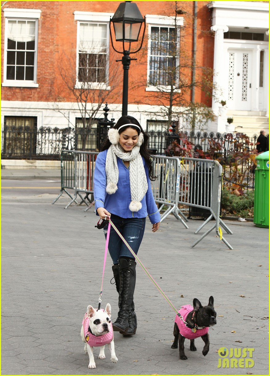 vanessa hudgens big apple dog walk 01