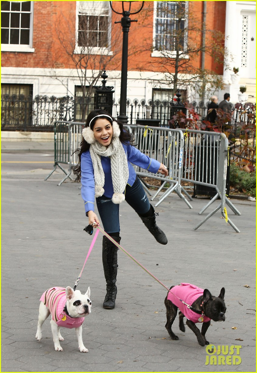 vanessa hudgens big apple dog walk 03