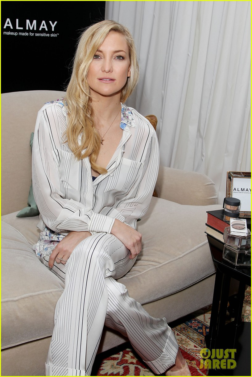 kate hudson the impossible screening with naomi watts 12