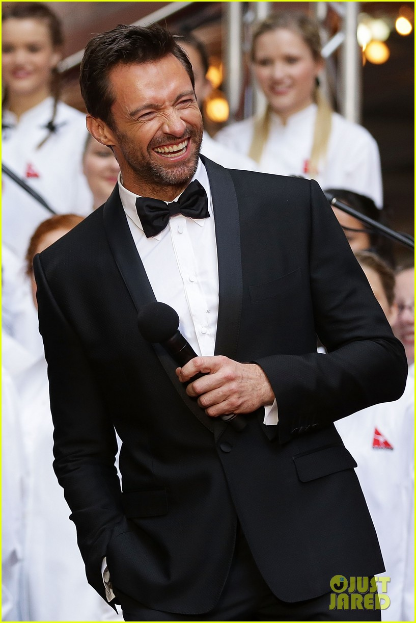 hugh jackman russell crowe les miserables australian premiere 03