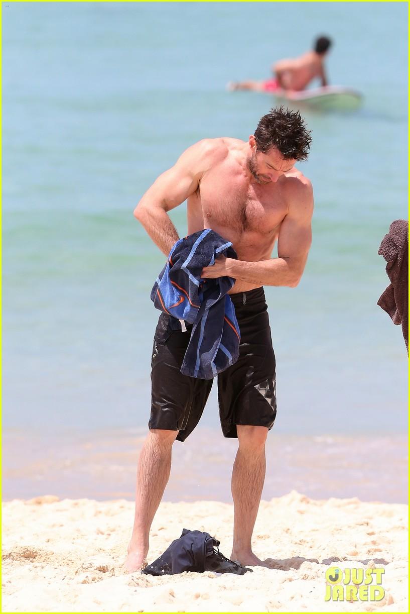 hugh jackman shirtless stud at bondi beach 03
