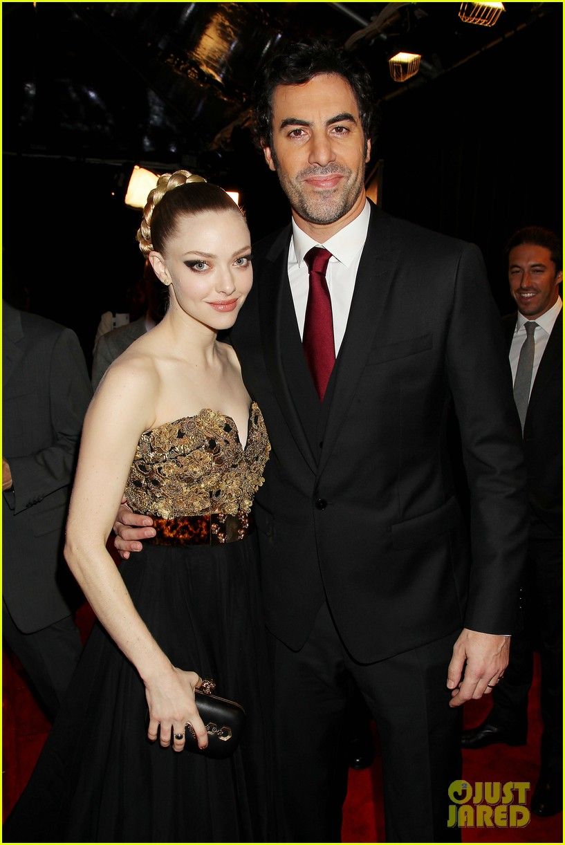 hugh jackman russell crowe les miserables nyc premiere 15