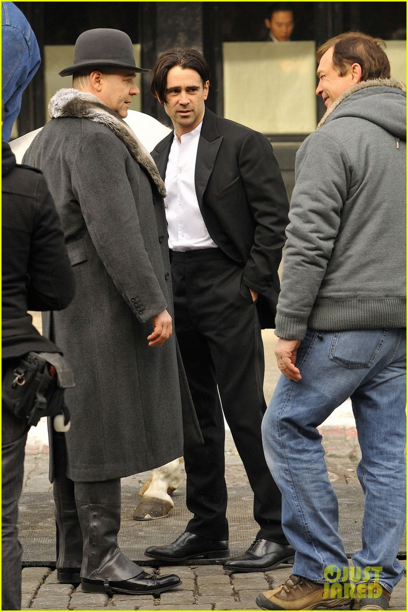 hugh jackman visits russell crowe on winters tale set 052775299